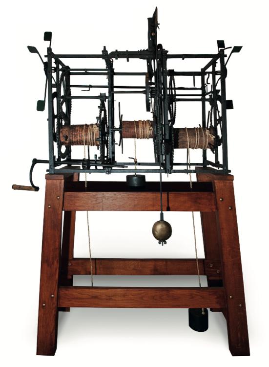 Uurwerk Zuidhavenpoort, Onbekende Vervaardiger, Circa 1600-1650. Smeedijzer, Hout, Touw. Afmetingen Stelling: H 98 B 150 D 72 Cm.